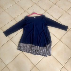 Tops - Navy and white top XL